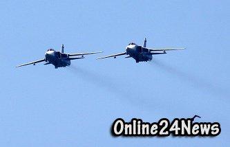Российские самолеты пролетели над Бишкеком на Параде Победы