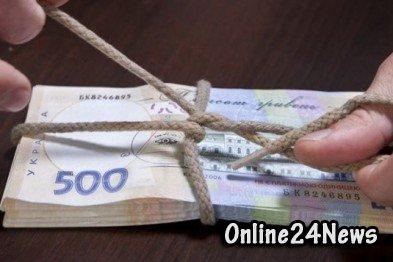 Украинские чиновники присвоили деньги для больных ВИЧ