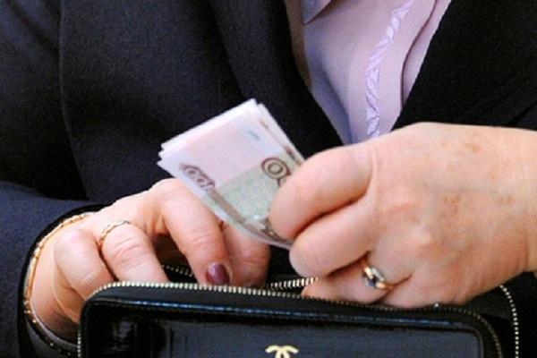 Заработная плата работников культуры подросла практически втри раза с2011 года