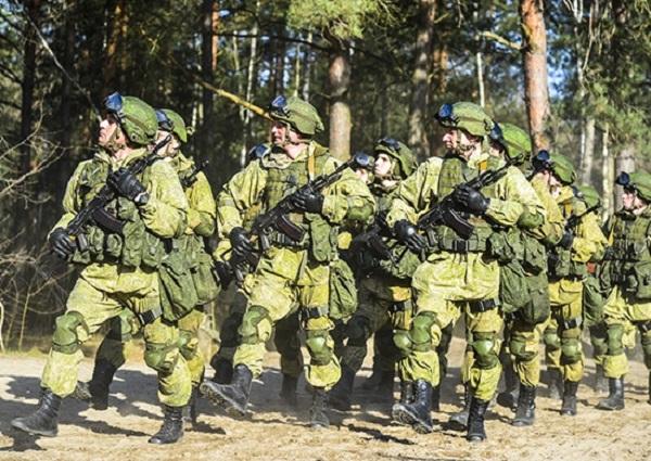 Общие тренировки русских ибелорусских десантников проходят навоенном полигоне под Брестом
