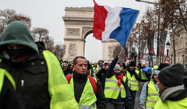 Более 250 человек арестованы в связи с возвращением протестов