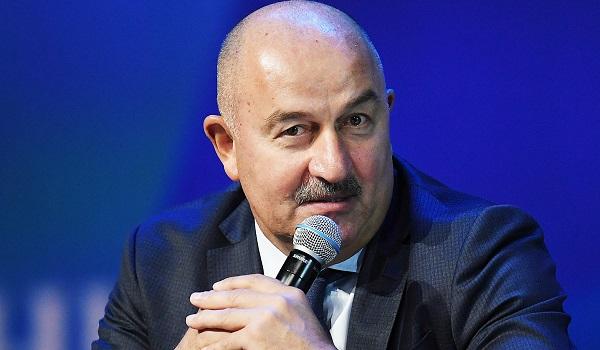 Названо место Черчесова в рейтинге самых высокооплачиваемых тренеров Евро-2020
